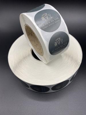 Fabrication d'autocolants sur rouleaux